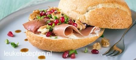 Broodje parmaham met granaatappel